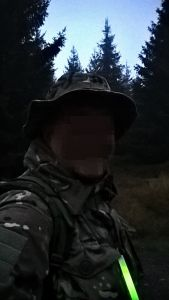 Leuchtstick in Morgendämmerung
