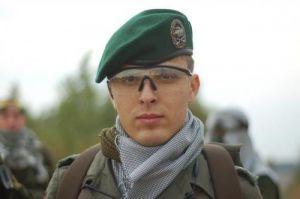 BW beret with PzGren insingnia